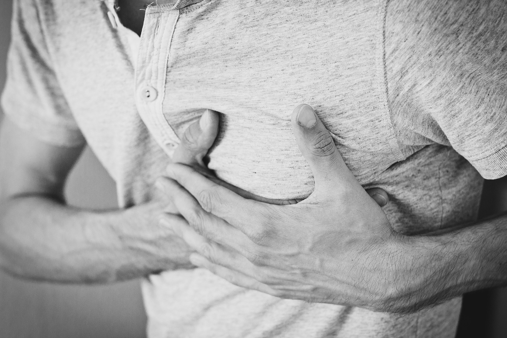 Painkiller Linked to Increased Risk of Major Heart Problems